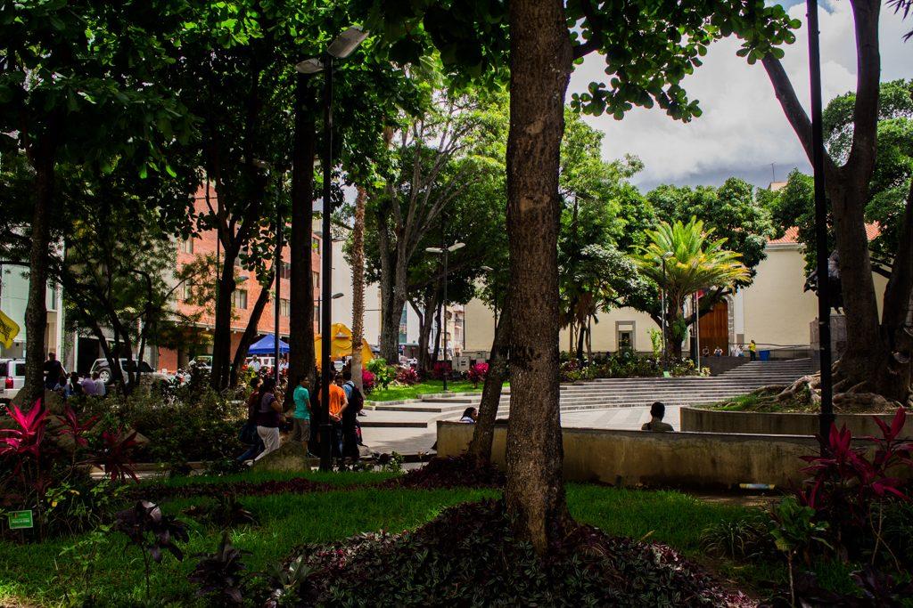 plaza bolívar de chacao-7