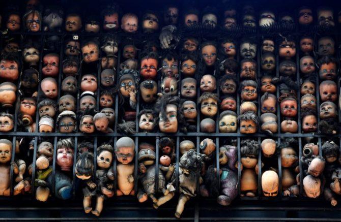 El balcón de las muñecas en Santa Rosalía