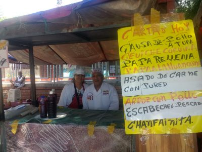 Chef Julio Cesar y Esposa