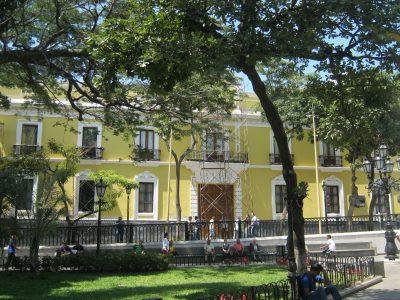 3-casa-amarilla